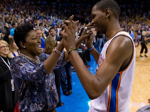 Happy Mothers Day! NBA Players and Their Mother's Pictures ...