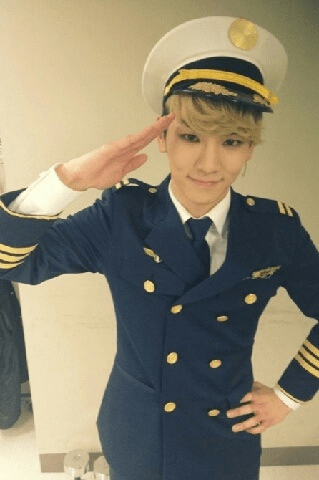 Captain Key2day update 120404 -  [Key] CATCH ME IF YOU CAN!!! 오늘 두 번째 공연 끝냈어요 많이 와주셔서 감사합니다! 나 잡아봐라~~~'ㅂ'  CATCH ME IF YOU CAN!!! Second performance have ended, thanks for coming down to watch! Try to catch me ah~~~'ㅂ' Cr: Shinee me2day Chinese trans: Specialkeys  English trans: Forever_SHINee