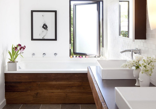 lovely bathroom (via desire to inspire)<br /><br /><br /><br />