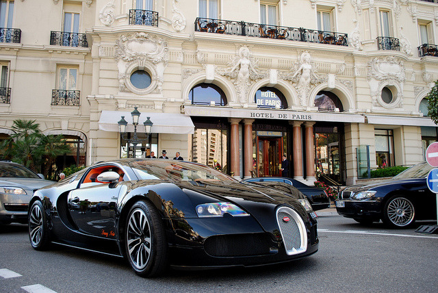 couture-kitty:</p><br /> <p>Sang Noir in front of Hotel de Paris<br /><br />