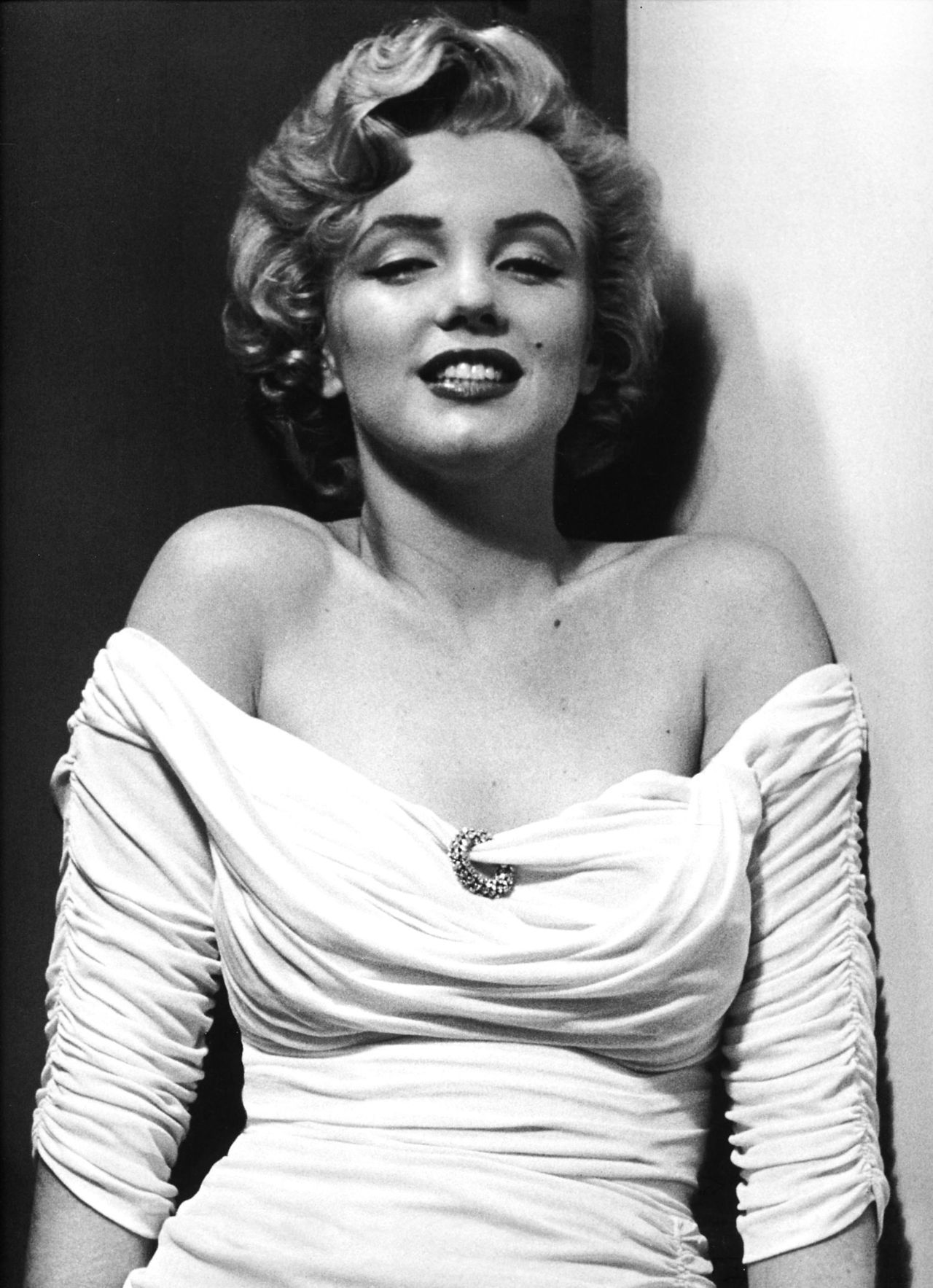 Philippe Halsman: US actress Marilyn Monroe posing for a cover photograph for LIFE Magazine, 1952.