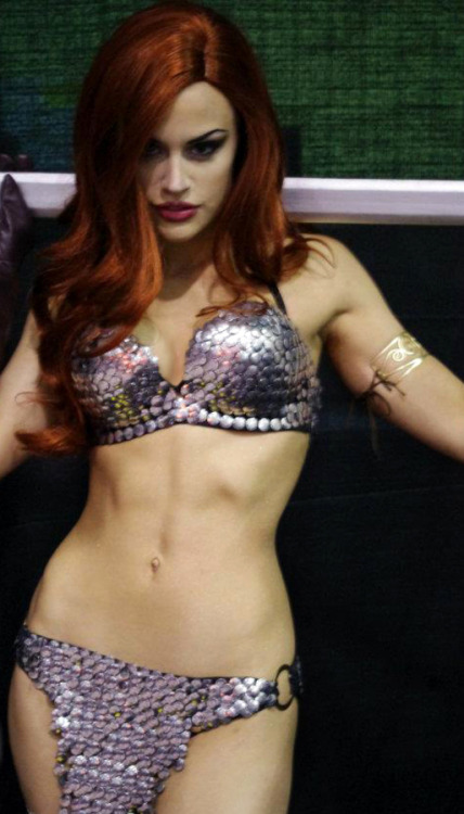 mandy caruso as red sonja from comic con