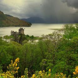 ghost-man-blues: Eilean Donan Highland castle