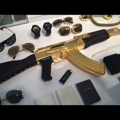 #Versace gold plated AK47 $9,000 by tomierna