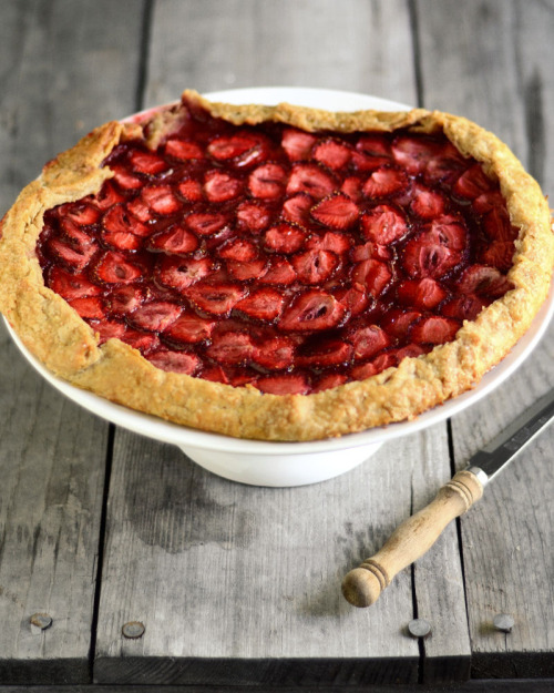 noperfectdayforbananafish:</p><br /><br /><br /><br /><br /><br /><br /> <p>Strawberry Galette (by Erica Lea)<br /><br /><br /><br /><br /><br /><br /><br />