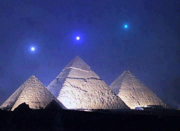 Resultado de imagen para piramides de egipto alineacion imagenes