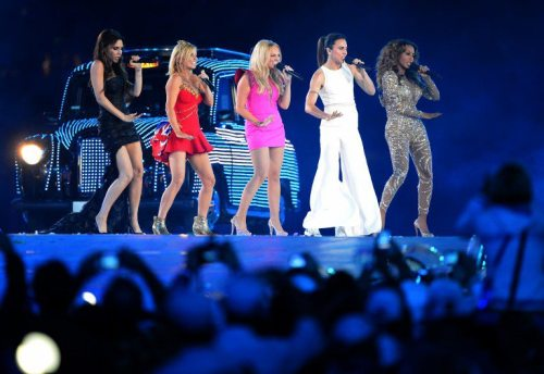 scienceandandrogyny:  The Spice Girls reunited for the London 2012 Closing Ceremony