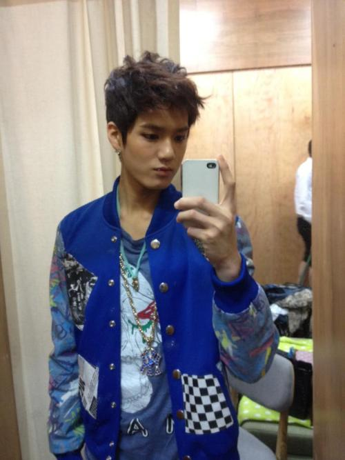 Peniel's selca (posted by his dad ♥)