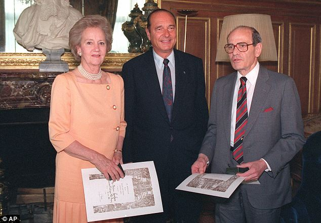 Katharine Graham and 'Punch' Sulzberger with then Paris mayor Jacques Chirac (centre) in 1992