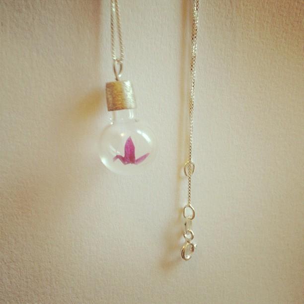 Colar de prata com mini tsuru rosa #arasaki