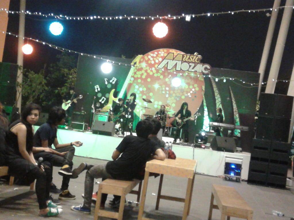 NARU Live @ Music Mozaic