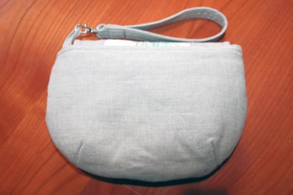 Linen Wristlet - the back