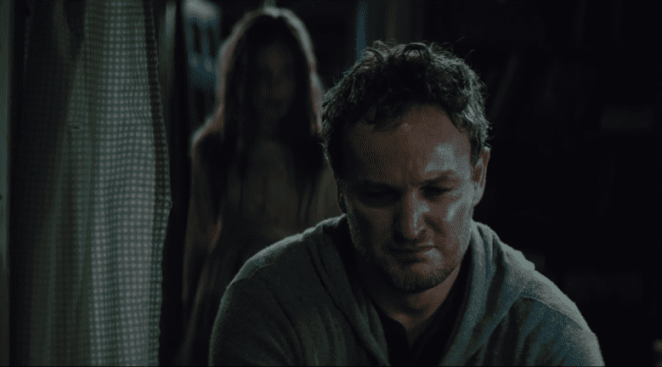 Louis Creed (Jason Clarke) brings his daughter Ellie (Jete Laurence) back from the dead.