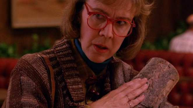 Log Lady closeup
