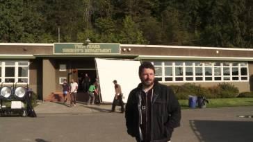 Charles De Lauzirika outside the Twin Peaks Sheriffs station set