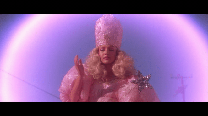 Sheryl Lee as the Good Witch in Wild at Heart