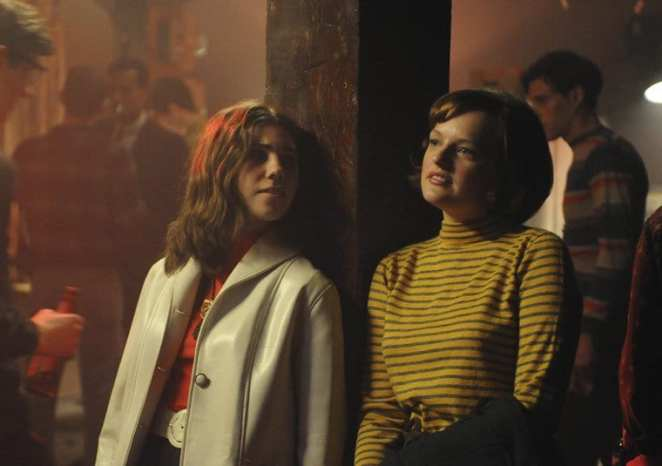 Peggy and her friend go to a club