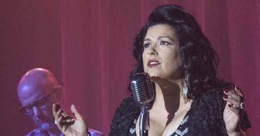 Rebekah Del Rio sings 'No Stars' in Twin Peaks: The Return, with Moby