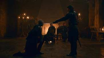 Brienne of Tarth knighted by Jaime