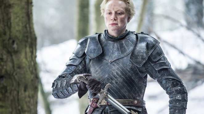 Brienne takes up the sword given to her by Jaime in Game of Thrones