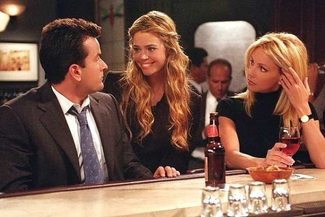 Charlie meets Jennifer, a campaign staffer for Mayor Winston's political rival in Spin City