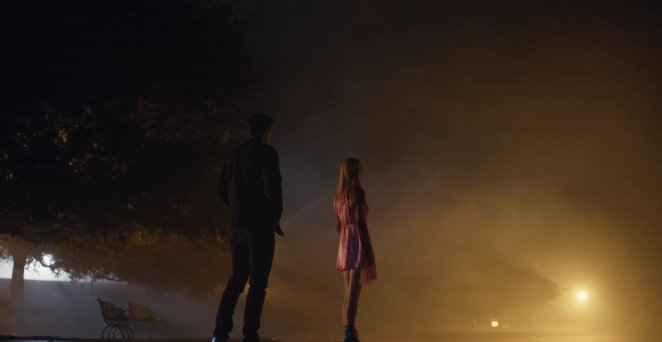 Nate and Jules meet outside the carnival in Euphoria