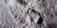 image of a footprint on the surface of the moon taken during Apollo 11 moon landing