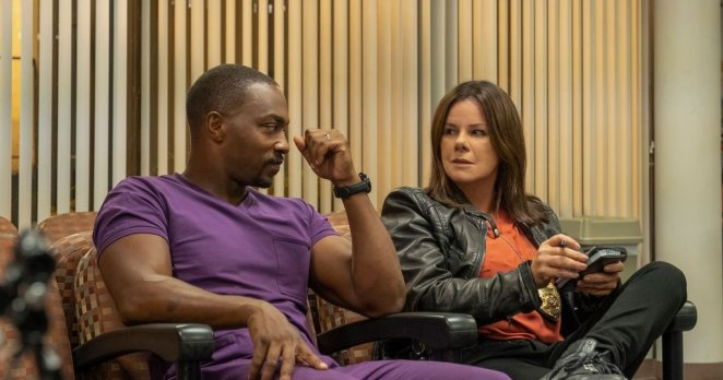 Anthony Mackie and Marcia Gay Harden in Point Blank.