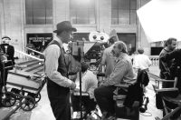 """Lead actor Kevin Costner and director Brian De Palma on the Chicago Union Station set of """"The Untouchables"""""""