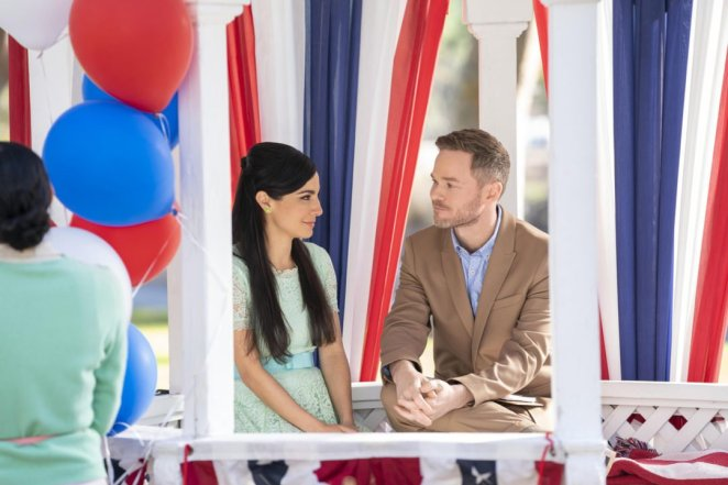 Thomas (Shawn Ashmore) chats with Marisol (Martha Higareda) about the joys of beginning a new life as an American.
