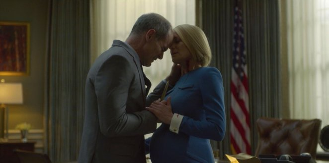 Doug attempts to murder Claire in the oval office