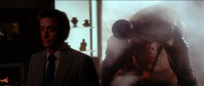This split screen from de Palma's Dressed to Kill suggests two characters in a plot when there is really only one.