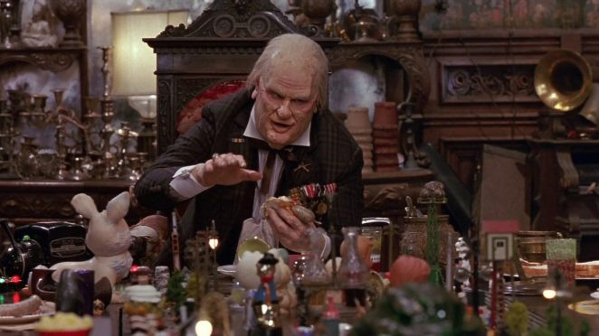 The Judge (Dan Akroyd) eats a knockwurst in Nothing But Trouble