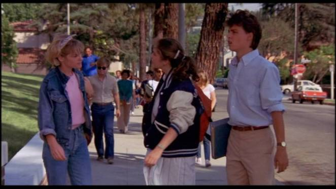 Johnny Depp and friends outside school in A Nightmare on Elm Street