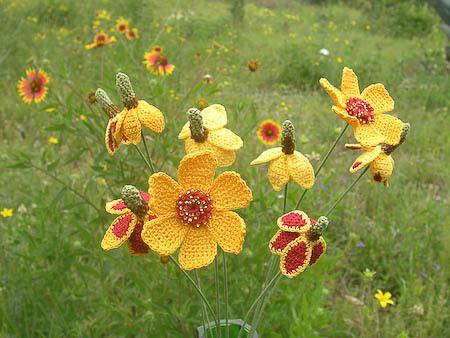 amazing crochet flowers! via