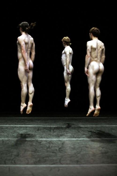 pornceptual:  Jumping(via androphilia)
