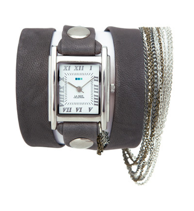 LOVE this La Mer multi chain wrap watch in washed gray leather.  It's ultra appealing because it's a watch and an accessory in one!  On most days, I am running out the door with 2 kids and an armful of things (kids blankets, sippy cups, my bag and a coffee if I'm lucky!)….. soooo, this would definitely be an easy fix for those rushed days when I need a little something to jazz myself up!