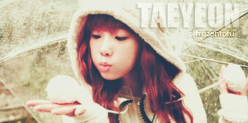 frozentofu:  I got bored, so decided to edit a picture. kekeke. Not my best at all -_-  Jennifer, you should just edit Taeyeon pictures for me =D