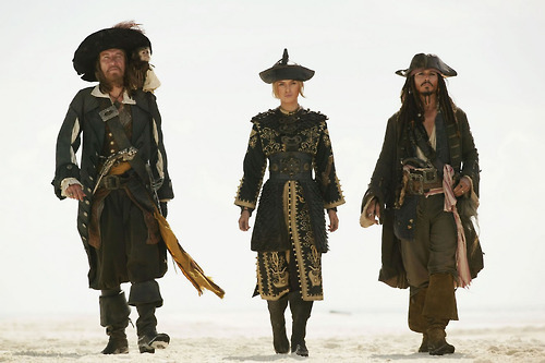 """""""Tesouros não são apenas prata e ouro, amigo.""""Jack Sparrow"""
