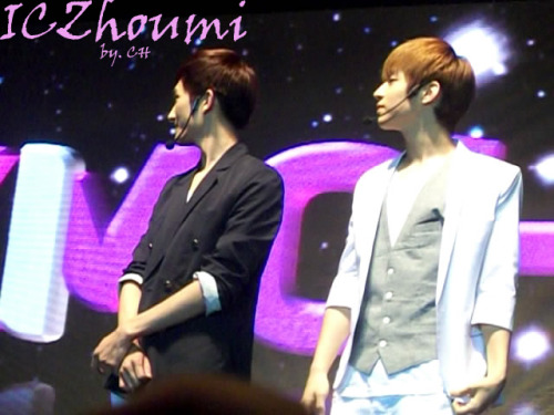 Korean Idols Music Concert Hosted in Indonesia 6 credit ICZhoumi photo by CH TAKE OUT FULL CREDIT :)