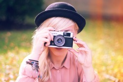dancingpeople:</p><br /> <p>me and my lovely analog camera<br /><br />