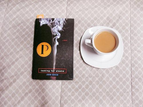 booksandtea:&lt;/p&gt;&lt;br /&gt;<br /> &lt;p&gt;untitled by Carina Santos. on Flickr.
