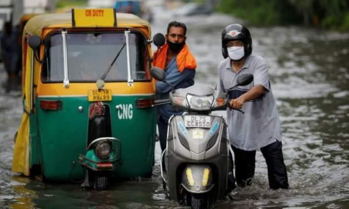 البنغال : الامطار تتسبب بانهيار نهرين وفيضانات ب6 مقاطعات