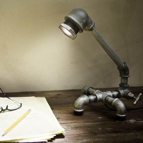 Настольная лампа из старого крана