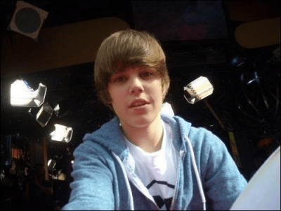 (via bieberjustin) —— Note to world: This is not a good angle FOR ANYONE.