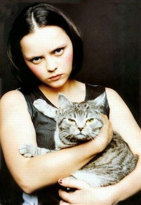 Christina Ricci with cat
