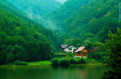 kari-shma:  Transylvanian Dream (by Laszlo Indig)