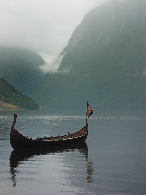 fuckyeahnorsemen:  Viking ship at Gudvangen, Norway (by scott photos)