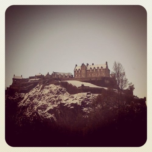 edinburgh castle in the snow hipster instagram blog gemma critchley