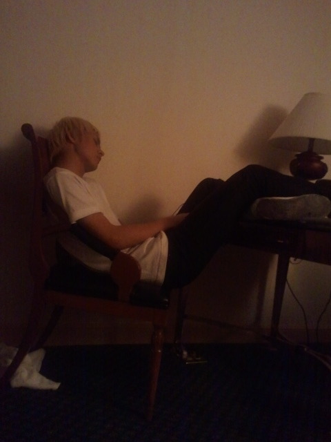 gihyukho:  woonie is sleeping on the chair
